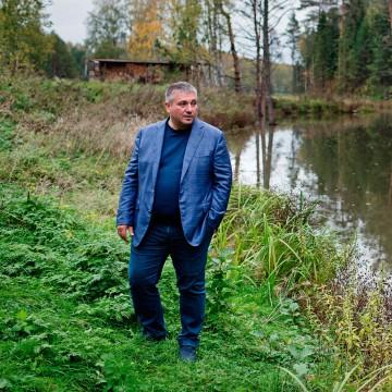 Зачем владелец «Асконы» продает большой бизнес истроит маленький город