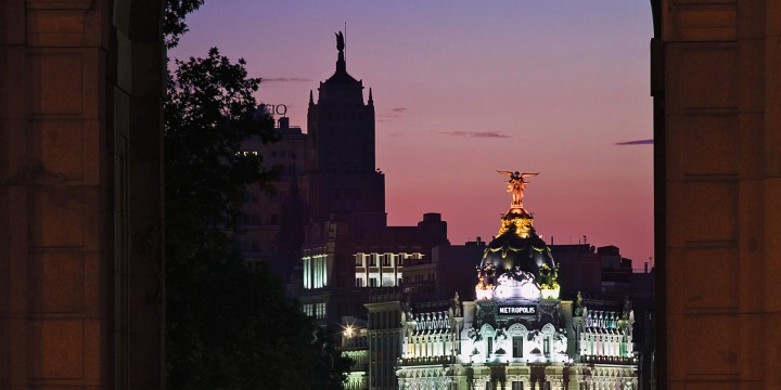 Над всем Мадридом — облачное небо