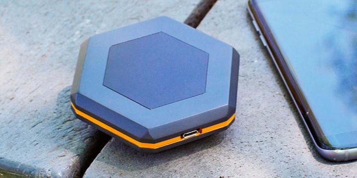 Устройства, с которыми можно оставаться на связи без мобильного сигнала и Wi-Fi