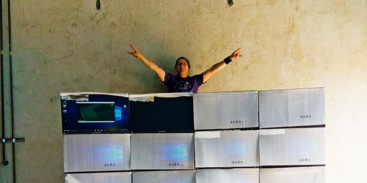 Бывший девелопер и музыкант Анатолий Журавлев выпускает компьютерные столы и надеется на майнинг