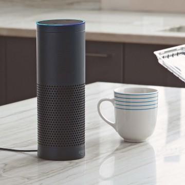Alexa говорити гасит свет