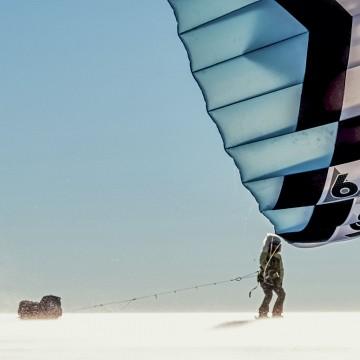 Тысяча километров на лыжах и воздушном змее